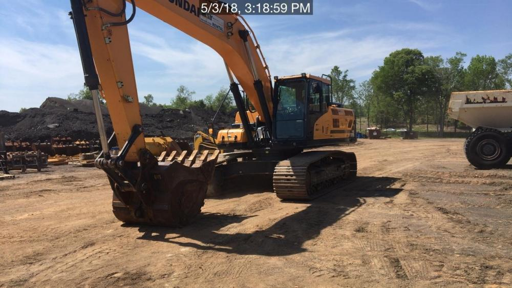 Detail photo of 2016 Hyundai HX330L from Construction Equipment Guide