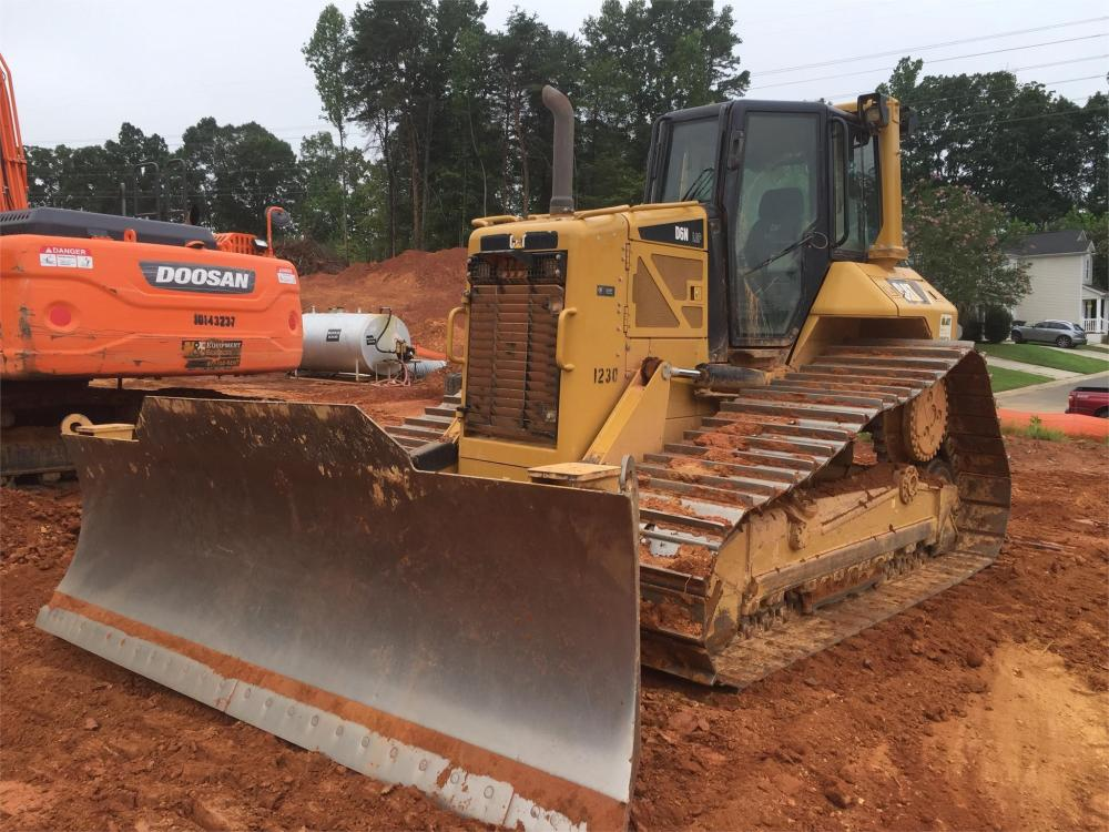 Detail photo of 2012 Caterpillar D6N LGP from Construction Equipment Guide