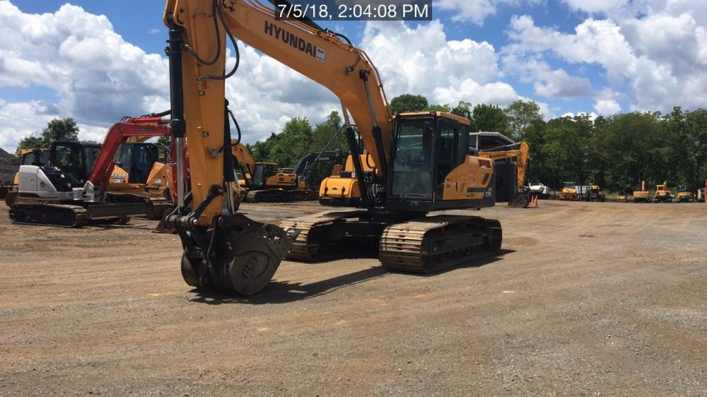 Detail photo of 2017 Hyundai HX220L from Construction Equipment Guide
