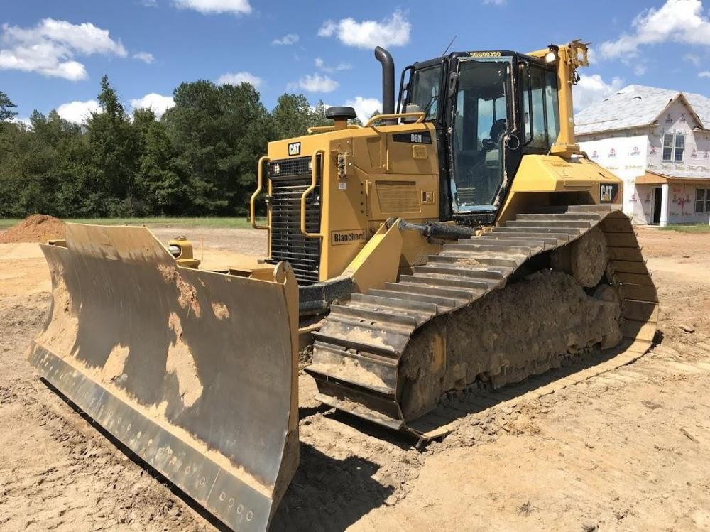 Detail photo of 2018 Caterpillar D6N LGP II from Construction Equipment Guide