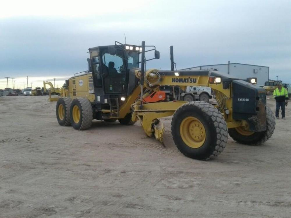 Detail photo of 2013 Komatsu GD655-5 from Construction Equipment Guide