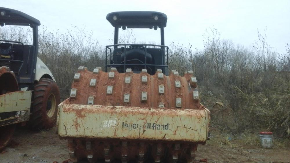 Detail photo of 2005 Ingersoll Rand SD122F from Construction Equipment Guide