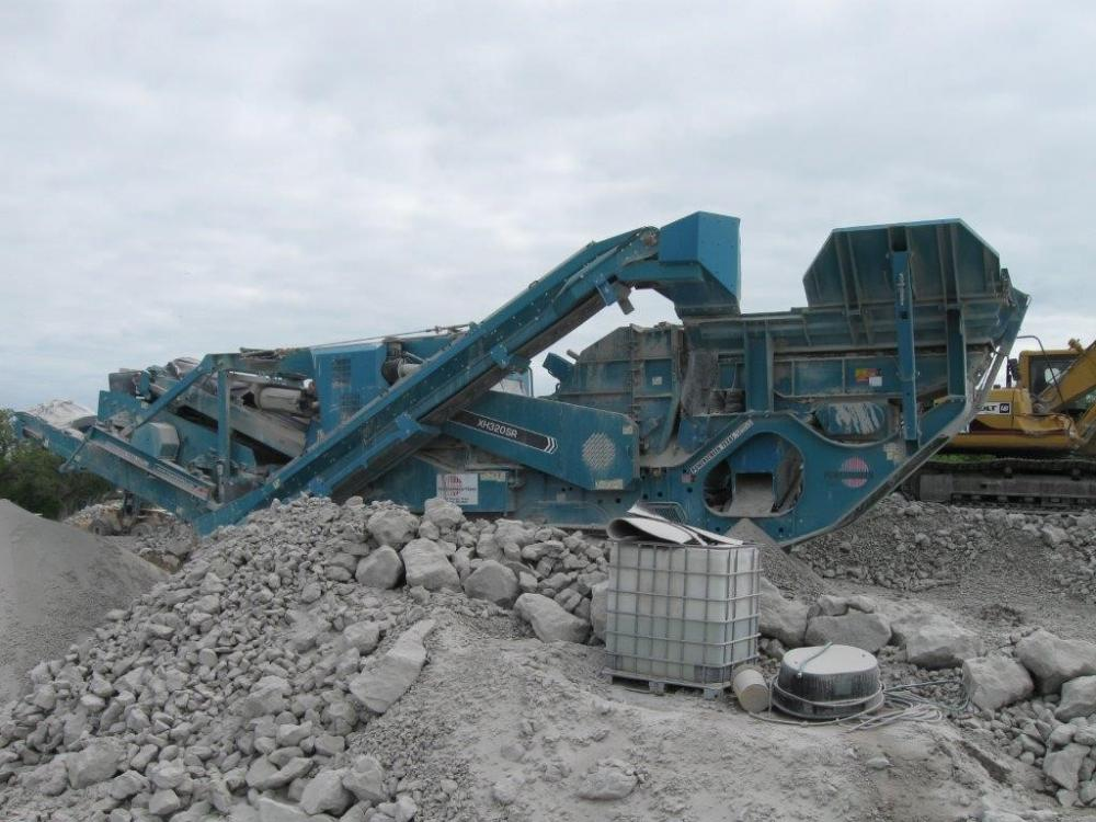 Detail photo of 2013 Powerscreen XH320SR from Construction Equipment Guide
