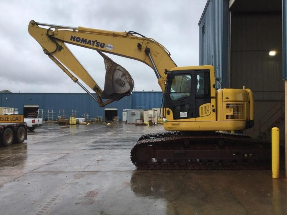 Detail photo of 2011 Komatsu PC228USLC-8 from Construction Equipment Guide