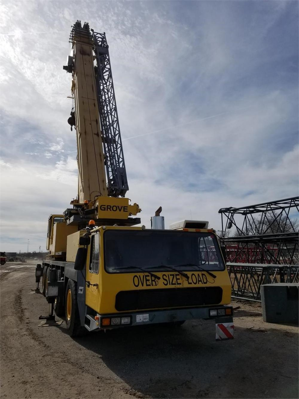 Detail photo of 2000 Grove GMK5210 from Construction Equipment Guide