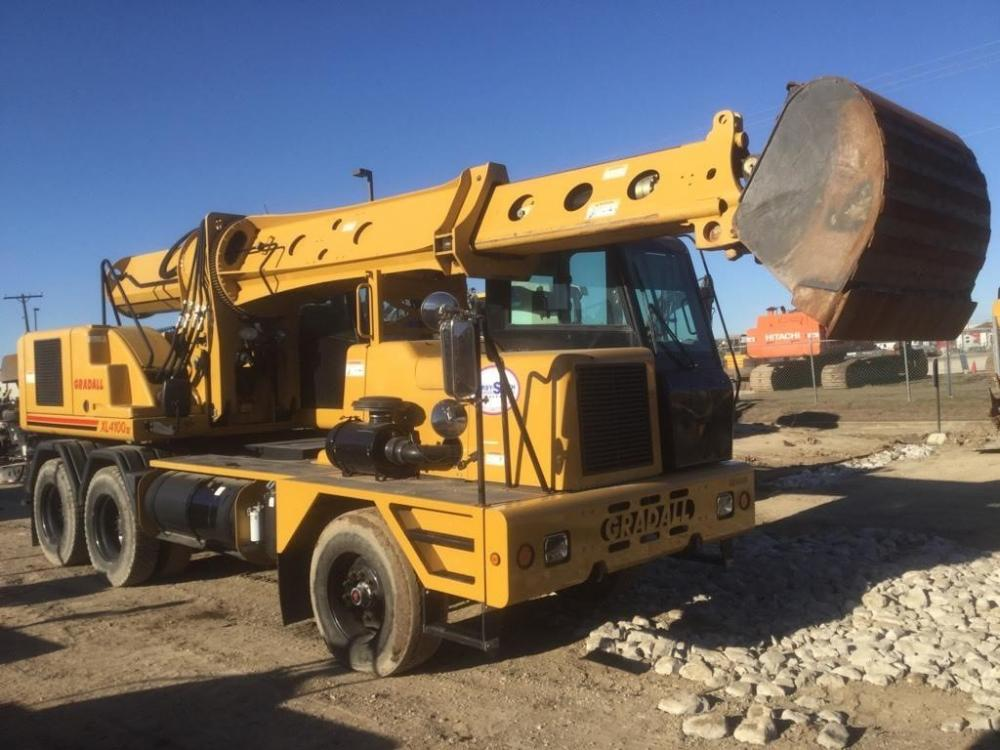 Detail photo of 2014 Gradall XL 4100 IV from Construction Equipment Guide