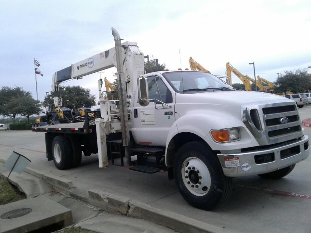 Detail photo of 2010 Tadano TM1052 from Construction Equipment Guide