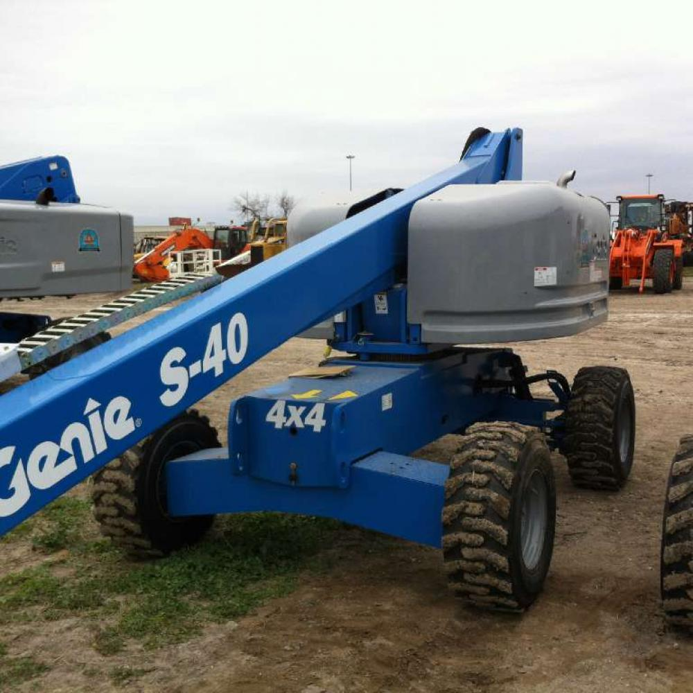 Detail photo of 2014 Genie S-40 from Construction Equipment Guide