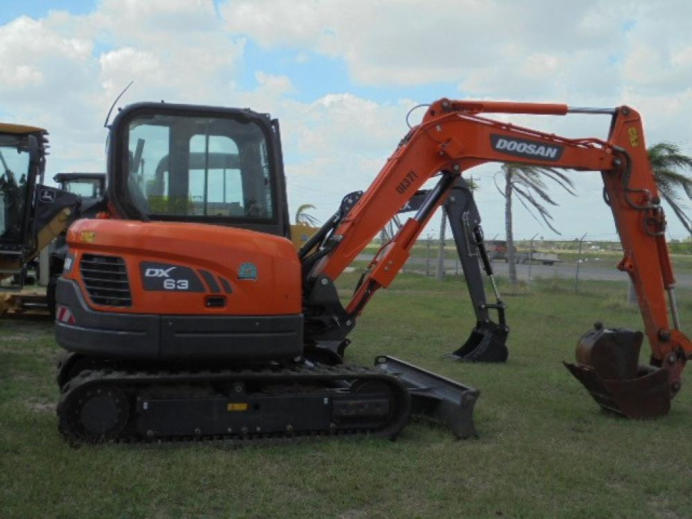 Detail photo of 2015 Doosan DX63-3 from Construction Equipment Guide