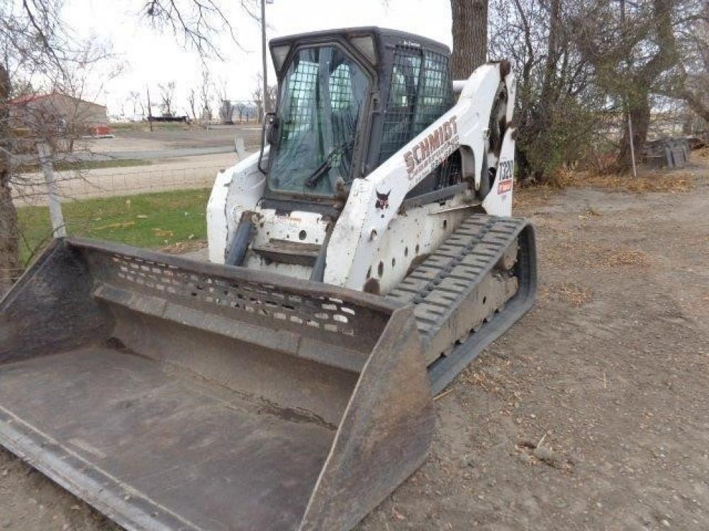 Detail photo of 2011 Bobcat T320 from Construction Equipment Guide