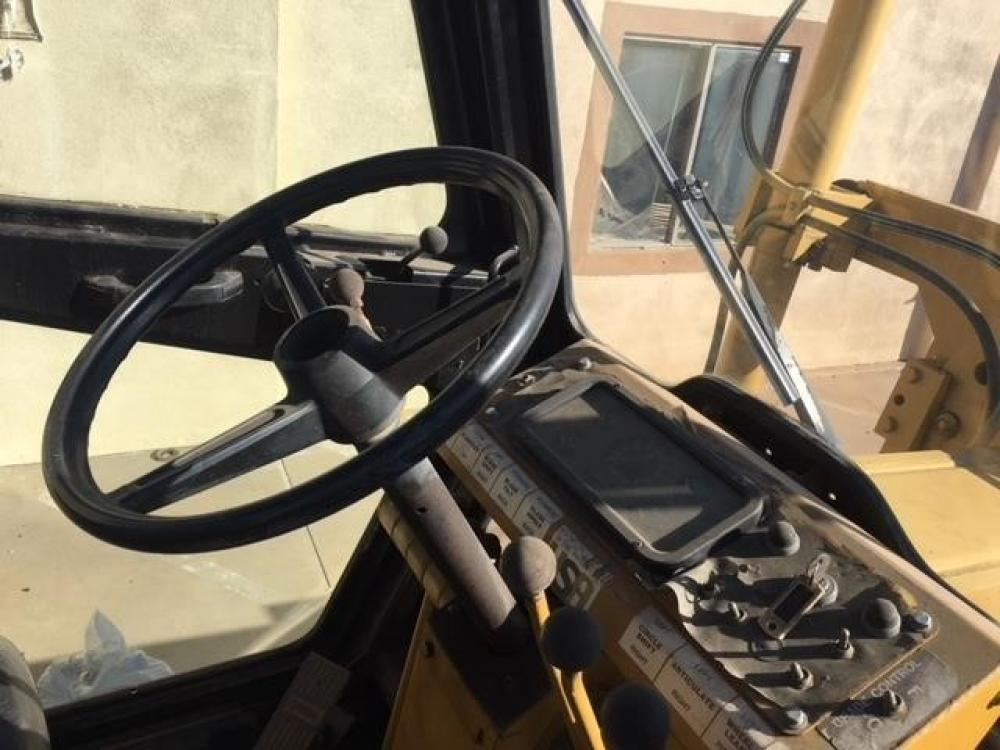 Detail photo of 2003 Mauldin MG622 from Construction Equipment Guide