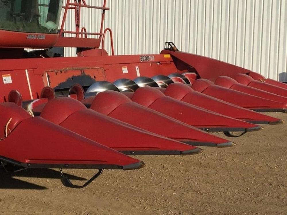 Detail photo of 2001 Case IH 1010 from Construction Equipment Guide