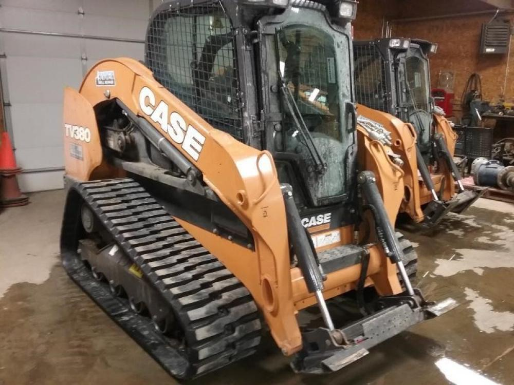 Detail photo of 2017 Case TV380 from Construction Equipment Guide