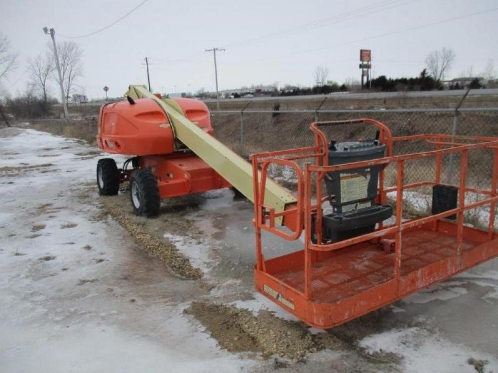 Detail photo of 2011 JLG 400S from Construction Equipment Guide