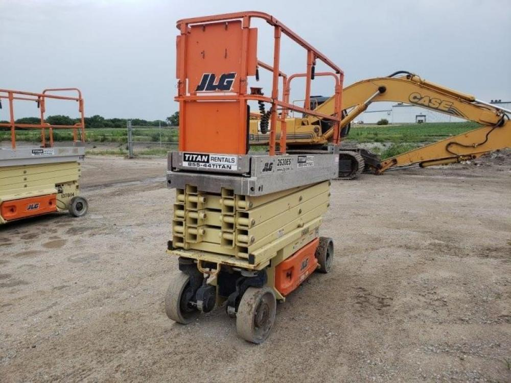 Detail photo of 2012 JLG 2630ES from Construction Equipment Guide