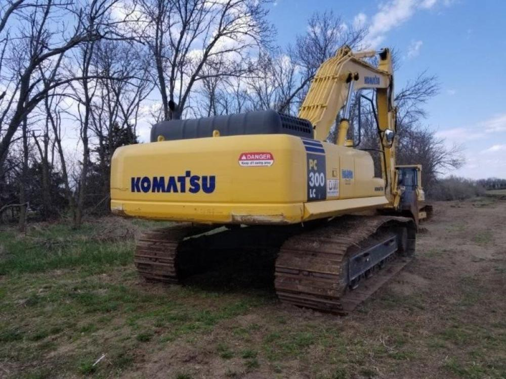 Detail photo of 2004 Komatsu PC300 LC from Construction Equipment Guide