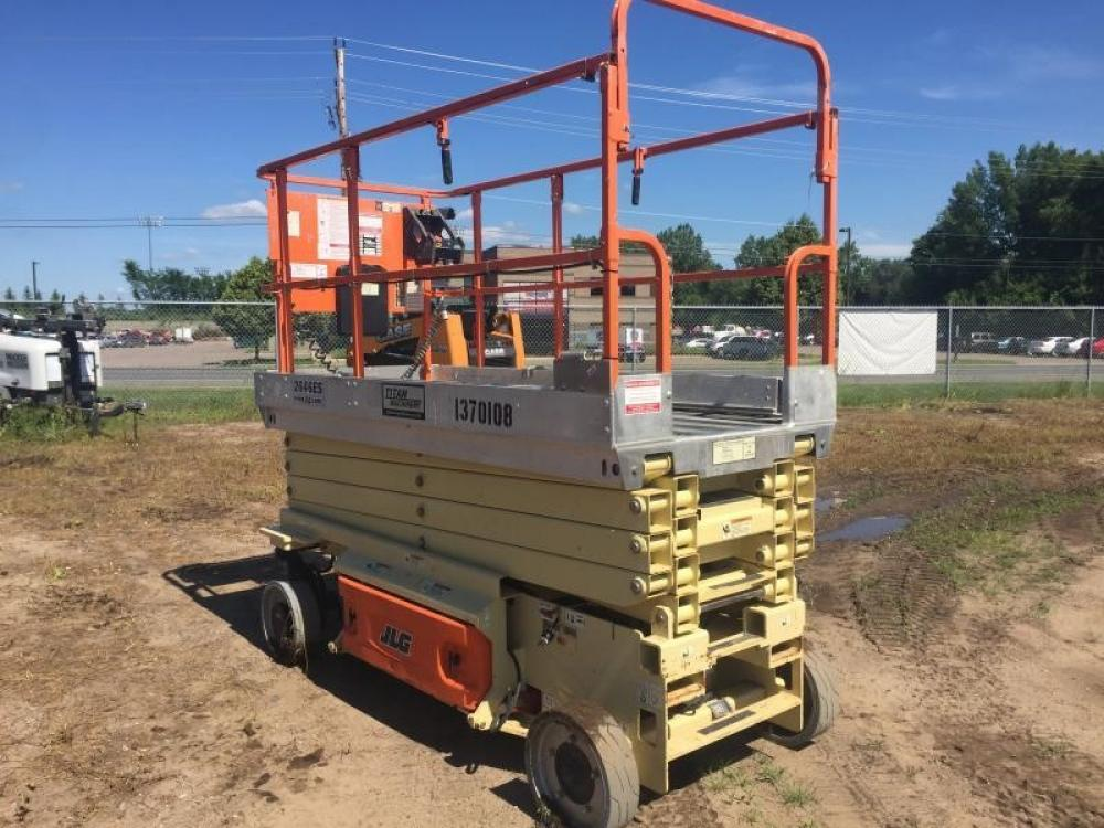 Detail photo of 2012 JLG 2646ES from Construction Equipment Guide