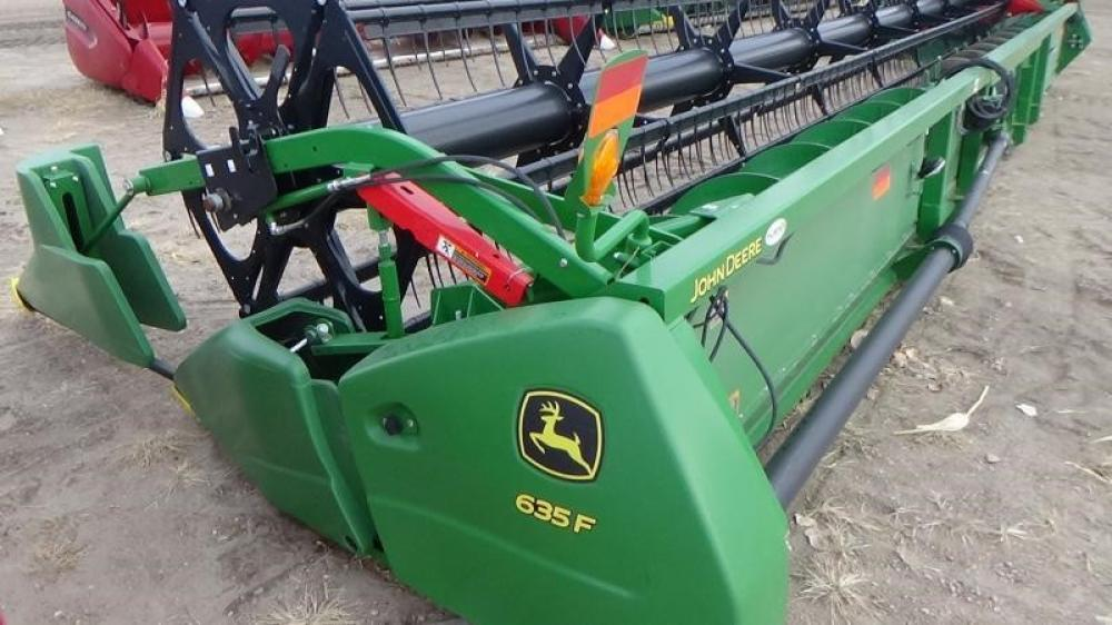 Detail photo of 2017 John Deere 635F from Construction Equipment Guide