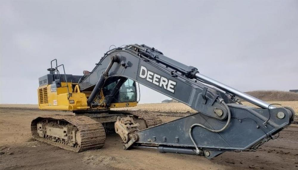 Detail photo of 2015 John Deere 450 LC from Construction Equipment Guide