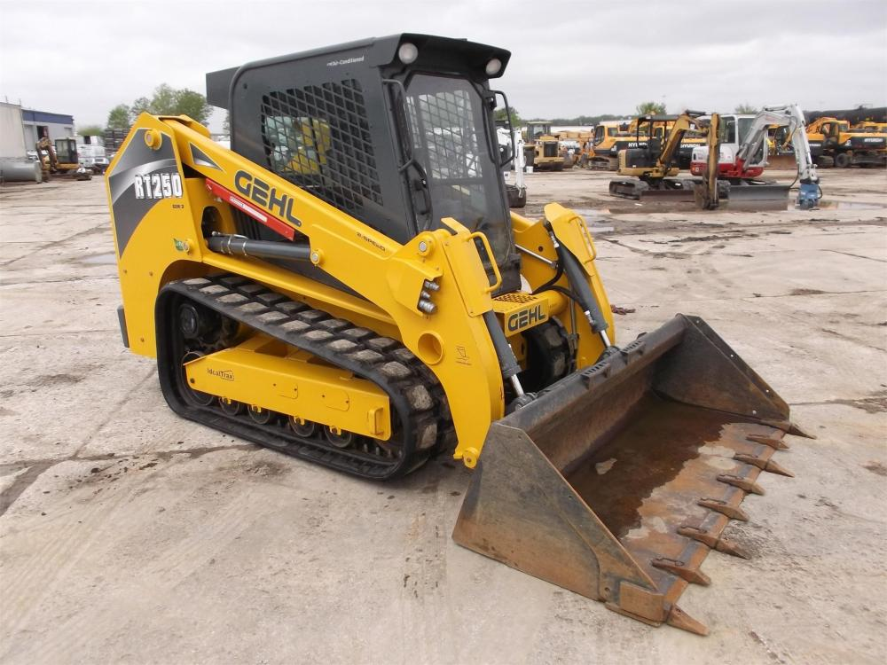 Detail photo of 2015 Gehl RT250 from Construction Equipment Guide