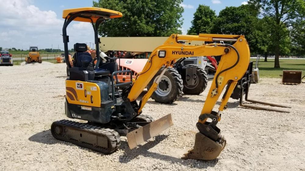 Detail photo of 2016 Hyundai ROBEX 17Z-9A from Construction Equipment Guide