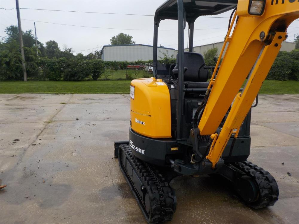 Detail photo of 2016 Hyundai ROBEX 25Z-9AK from Construction Equipment Guide