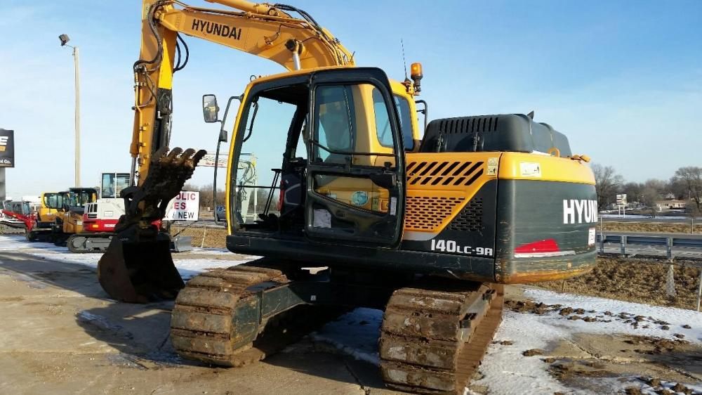 Detail photo of 2014 Hyundai ROBEX 140 LC-9A from Construction Equipment Guide