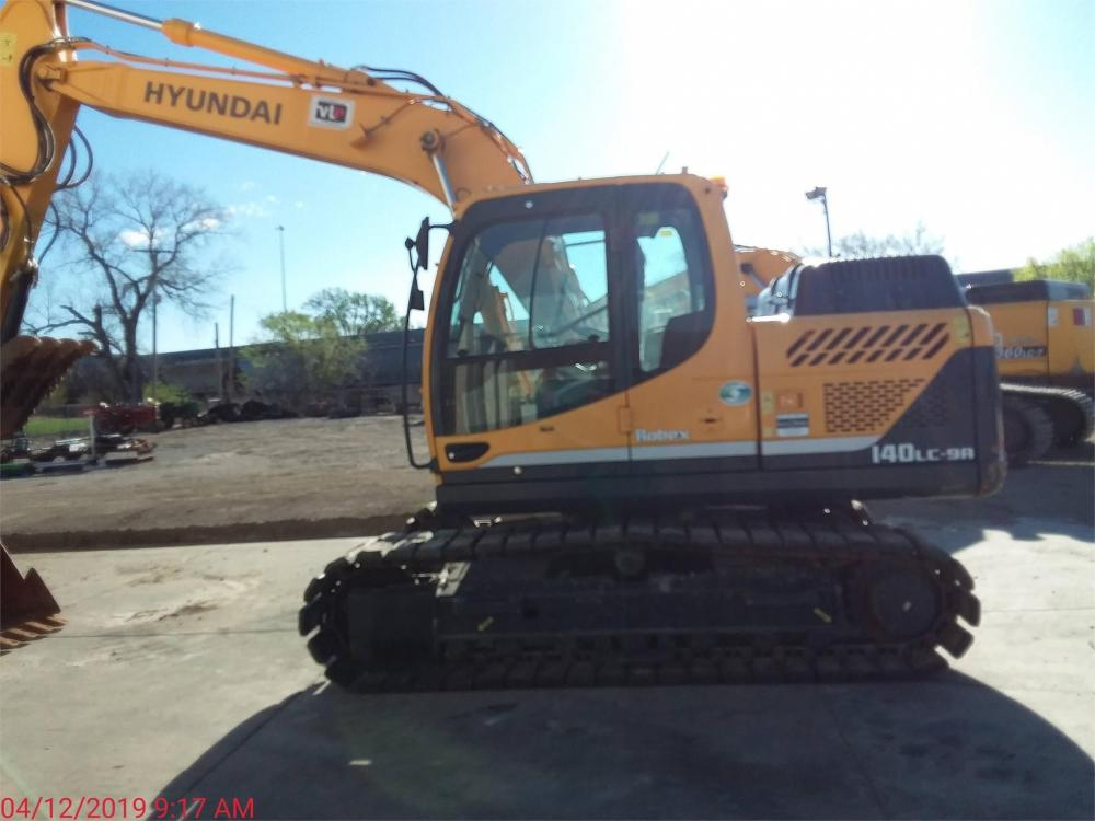 Detail photo of 2016 Hyundai ROBEX 140 LC-9A from Construction Equipment Guide