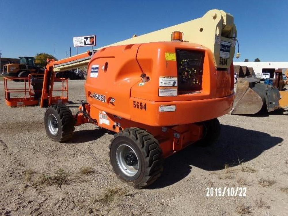 Detail photo of 2007 JLG 460SJ from Construction Equipment Guide