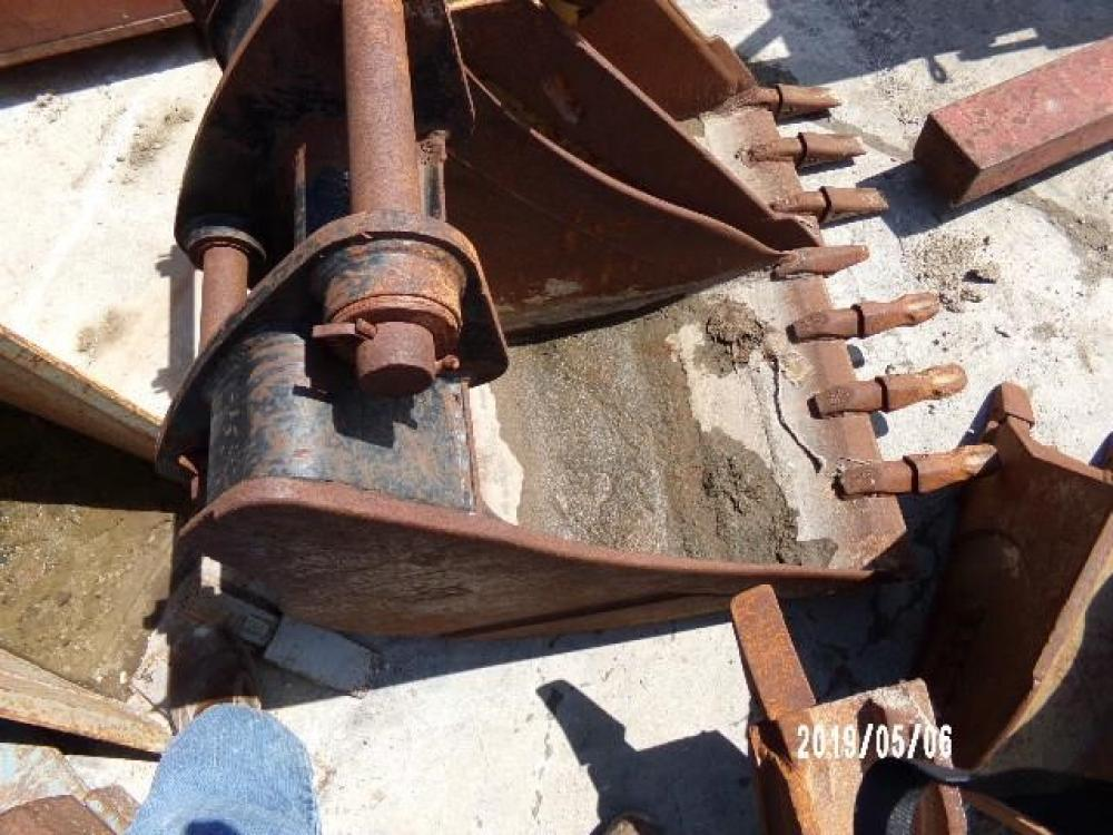 Detail photo of 2005 Caterpillar 30 IN. BACKHOE from Construction Equipment Guide