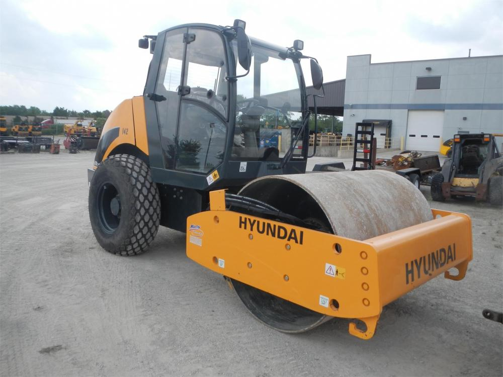 Detail photo of 2015 Hyundai HR70C-9 from Construction Equipment Guide