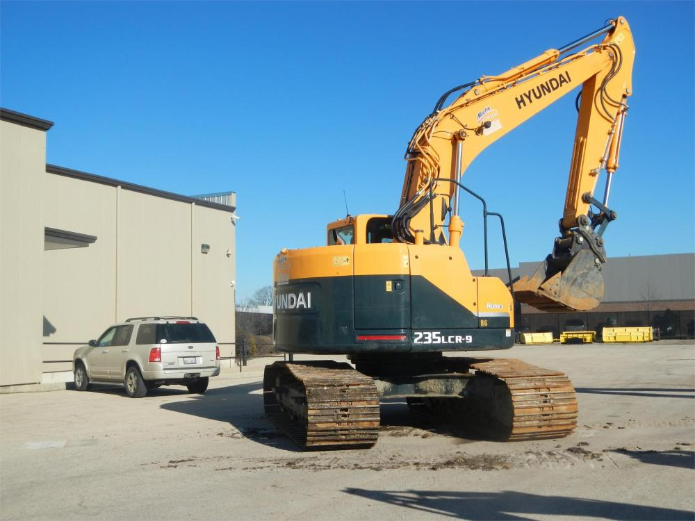Detail photo of 2013 Hyundai ROBEX 235LCR-9 from Construction Equipment Guide