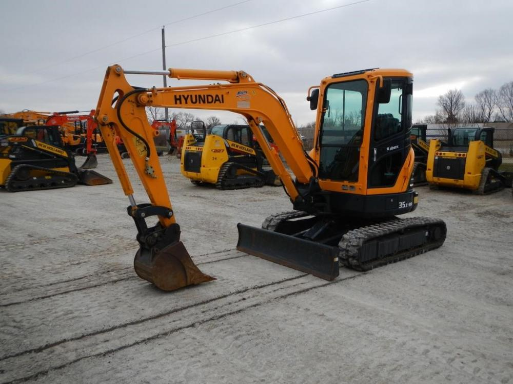 Detail photo of 2016 Hyundai ROBEX 35Z-9A from Construction Equipment Guide