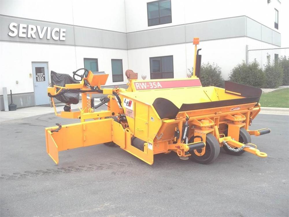 Detail photo of 2013 Blaw Knox RW35A from Construction Equipment Guide