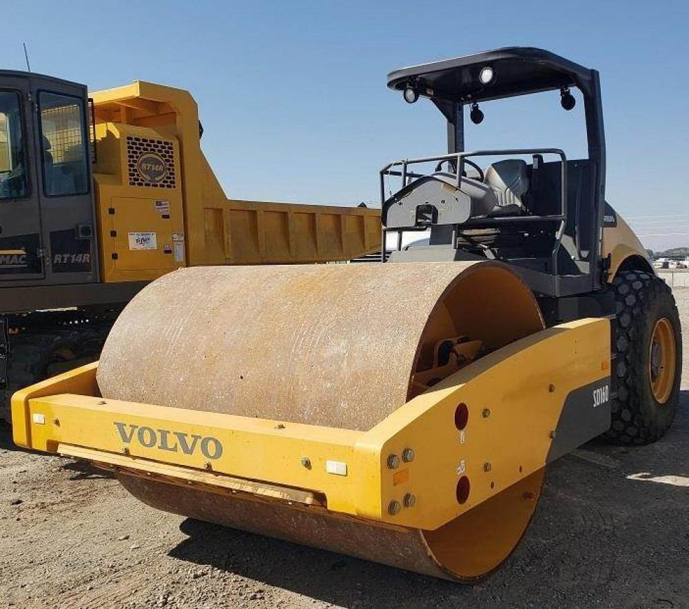 Detail photo of 2015 Volvo SD160 from Construction Equipment Guide