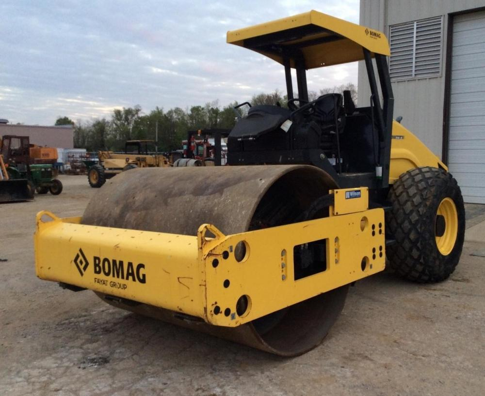 Detail photo of 2013 Bomag BW 211 D from Construction Equipment Guide