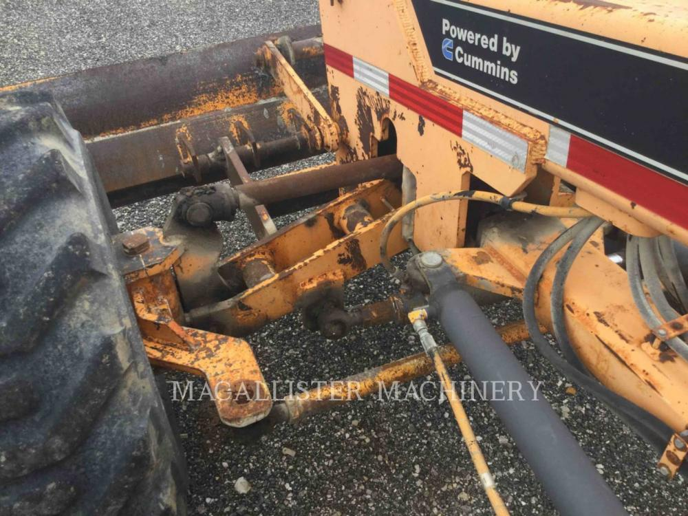 Detail photo of 2000 LeeBoy 685 from Construction Equipment Guide