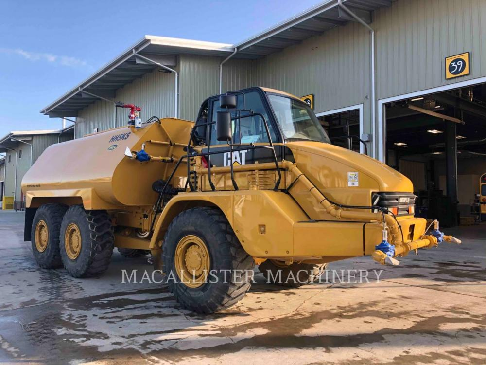 Detail photo of 2006 Caterpillar 725 from Construction Equipment Guide