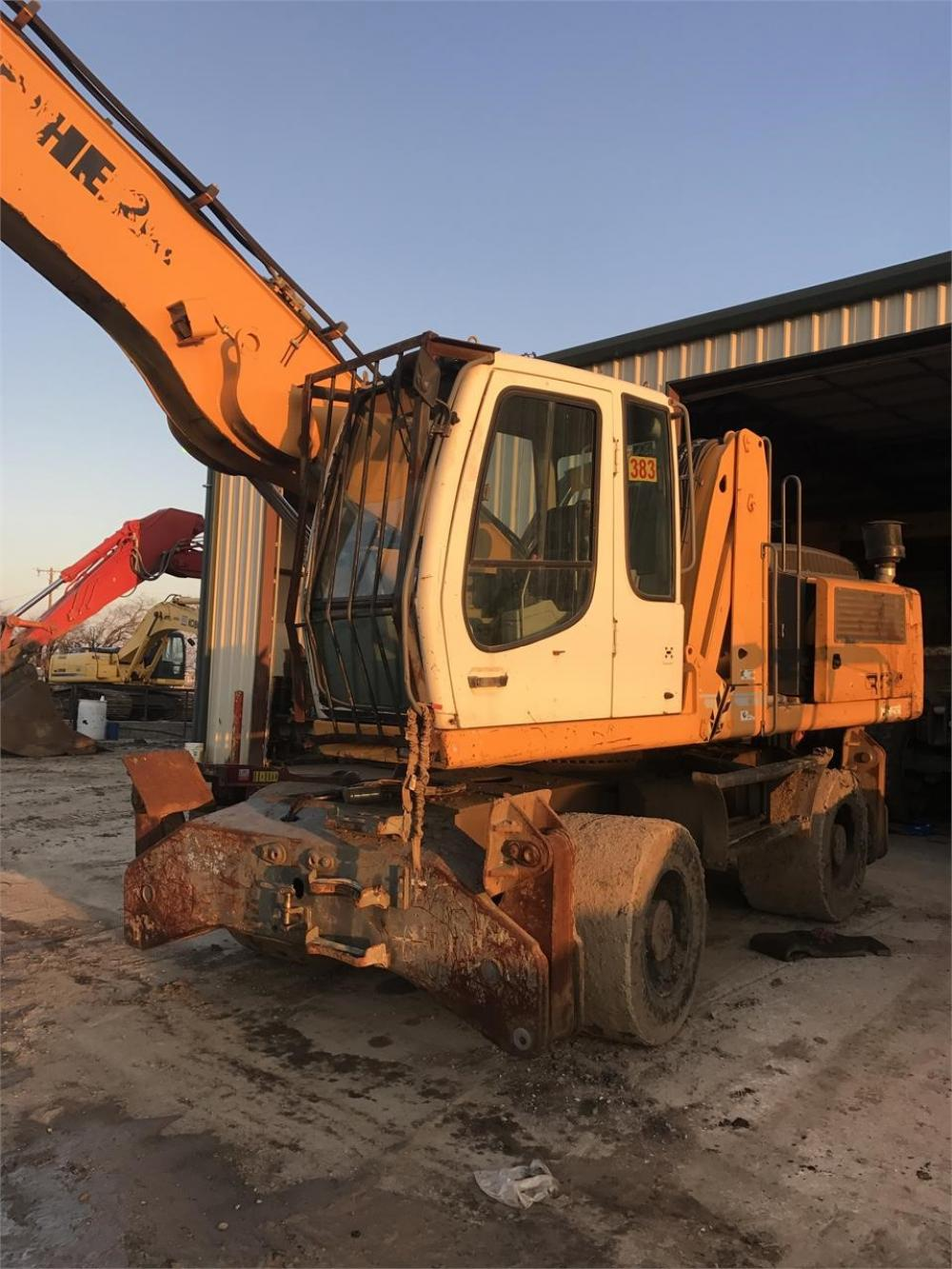 Detail photo of 2011 Liebherr A924C from Construction Equipment Guide