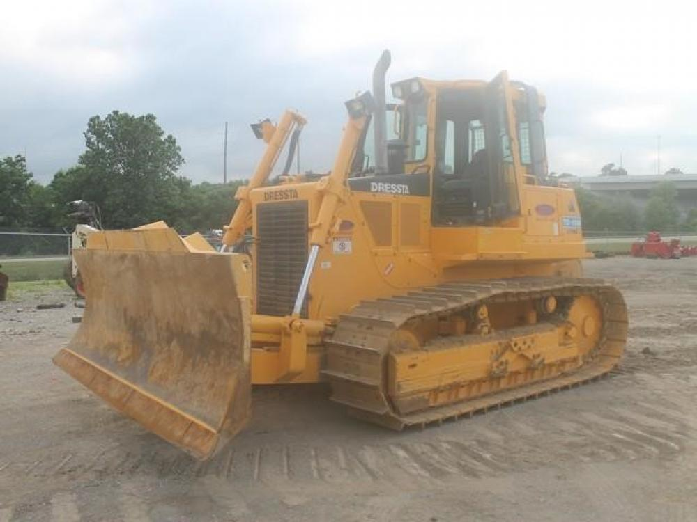Detail photo of 2014 Dressta TD15M from Construction Equipment Guide