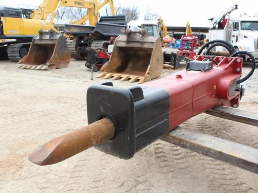 Detail photo of 2017 LaBounty LMB8055 from Construction Equipment Guide