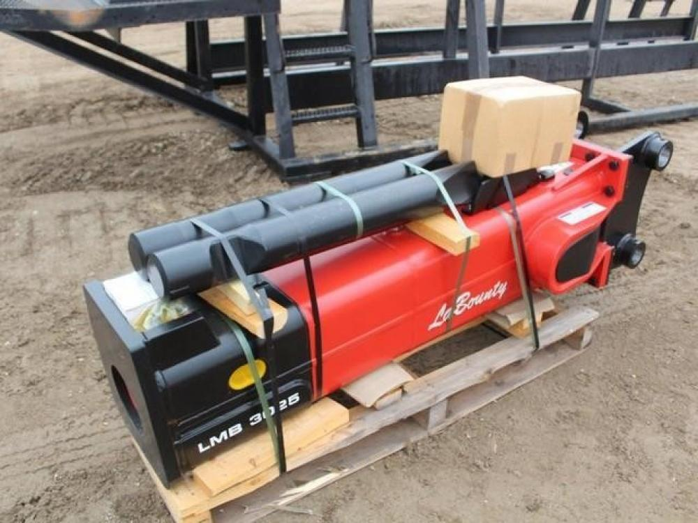 Detail photo of 2019 LaBounty LMB3025 from Construction Equipment Guide