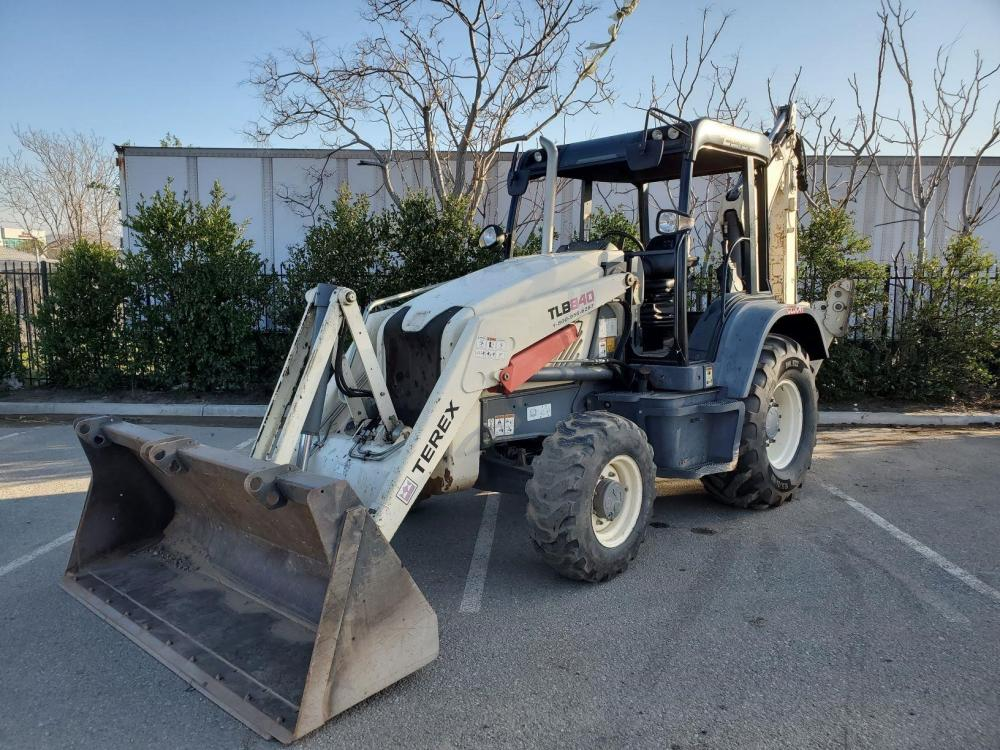 Detail photo of 2014 Terex TLB 840CL from Construction Equipment Guide