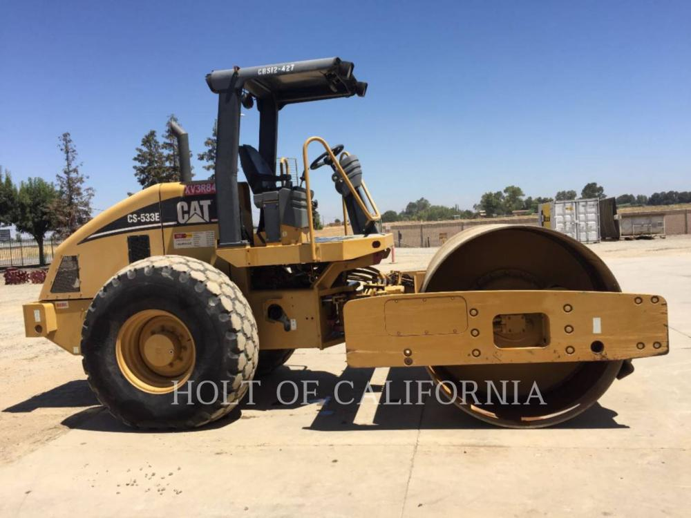 Detail photo of 2007 Caterpillar CS533 from Construction Equipment Guide