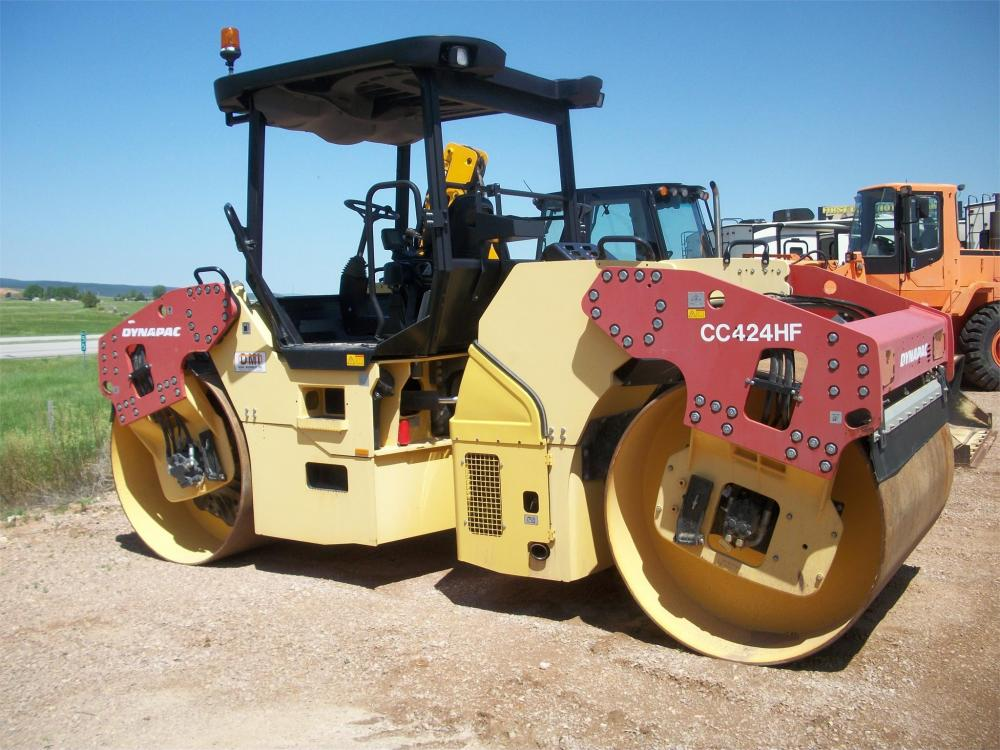 Detail photo of 2009 Dynapac CC424HF from Construction Equipment Guide