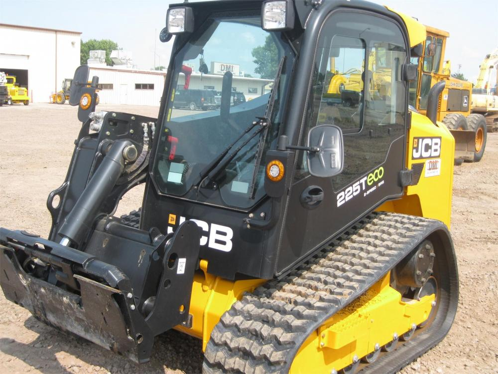 Detail photo of 2017 JCB 225T from Construction Equipment Guide