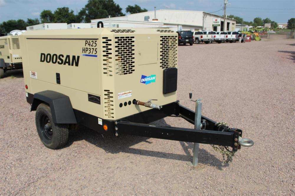 Detail photo of 2015 Doosan Portable Power P425/HP375WCU-T4I from Construction Equipment Guide