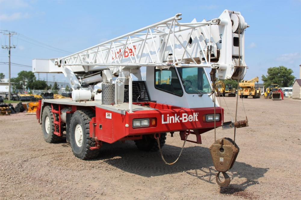 Detail photo of 1992 Link-Belt ATC-822 from Construction Equipment Guide