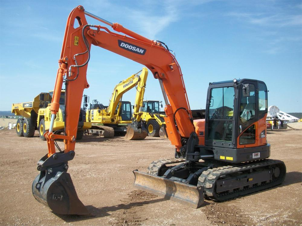 Detail photo of 2016 Doosan DX85R-3 from Construction Equipment Guide