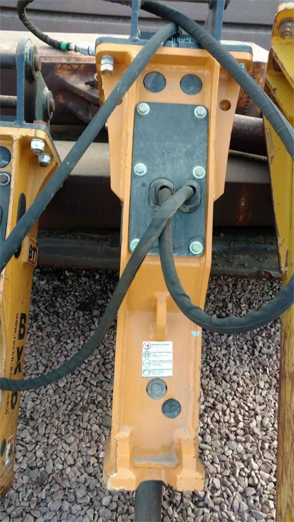 Detail photo of  BTI CX8-207 from Construction Equipment Guide
